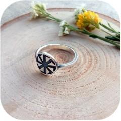 Серебряное кольцо «Коловрат» (остаток, размер 19)