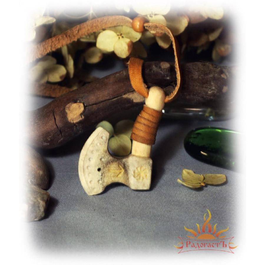 Подвеска «Топорик» с Коловратом (кость)