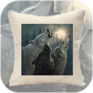 Подушка «Волки»