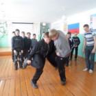 Народная игра «Бой петухов»