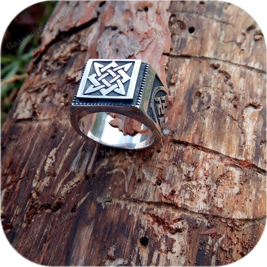 Серебряный перстень «Квадрат Сварога»